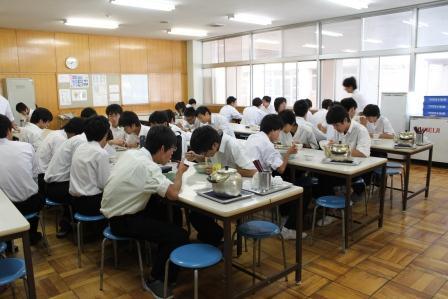 昼食食堂組