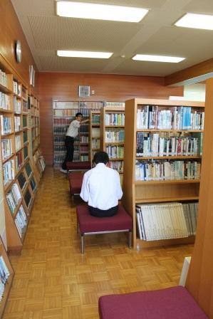 放課後の図書館
