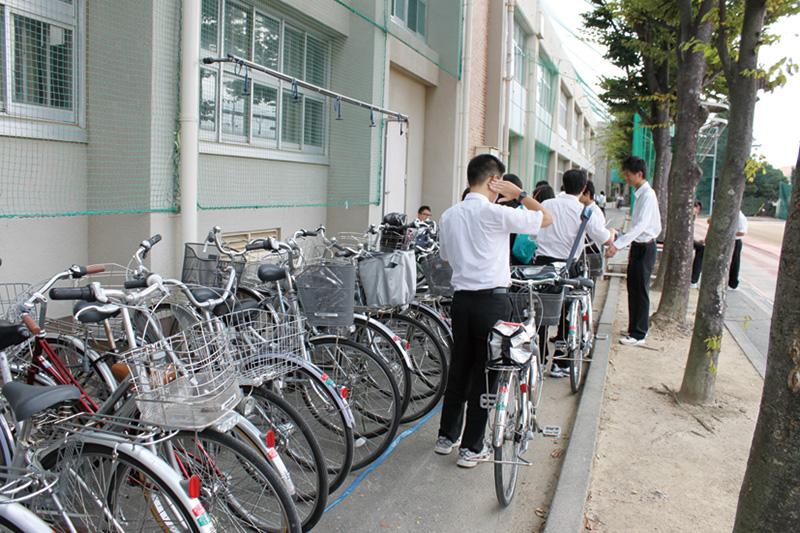 臨時の自転車置場へ駐輪